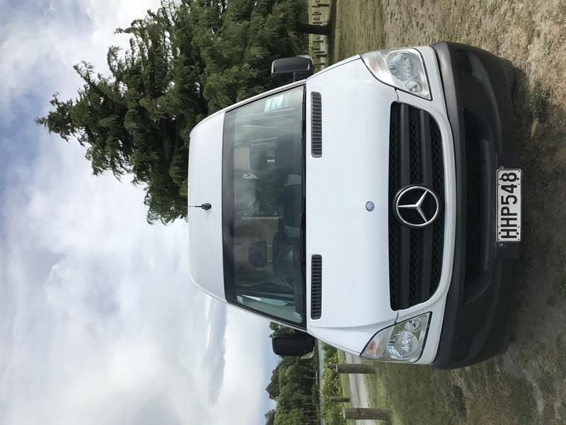 Mercedes Euro Tourer image 8